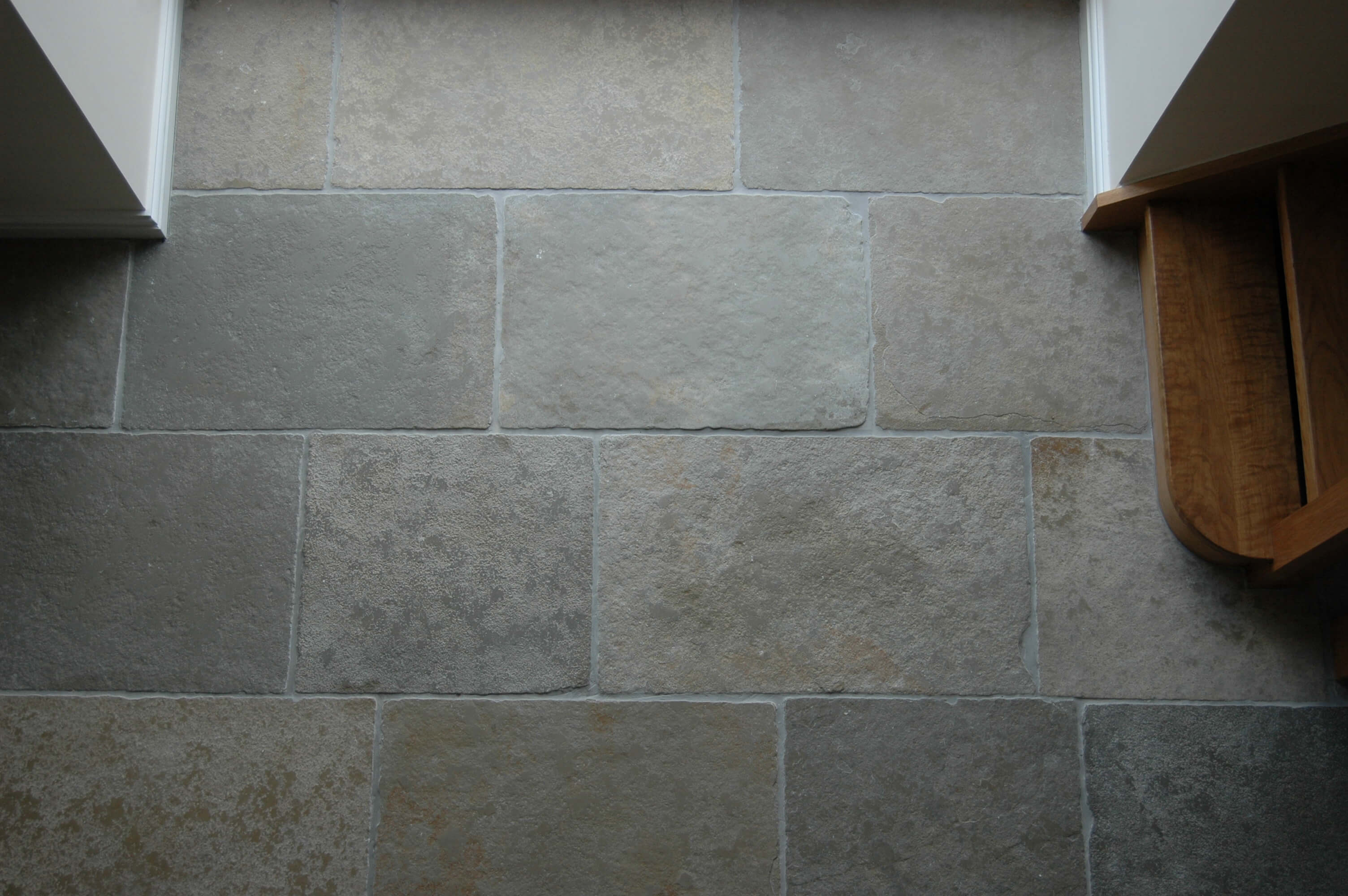 Priory Tumbled Limestone Hand Distressed